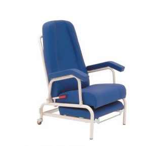 Resting chair with armrests and 2 wheels in the back